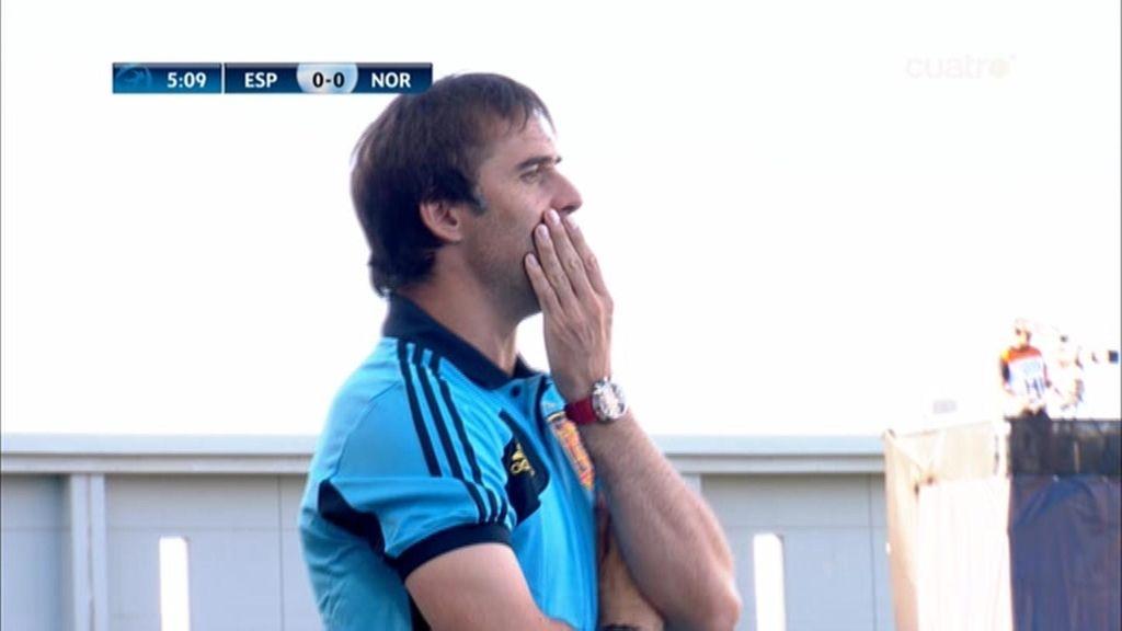 Julen Lopetegui, preocupado en los primeros minutos del partido.