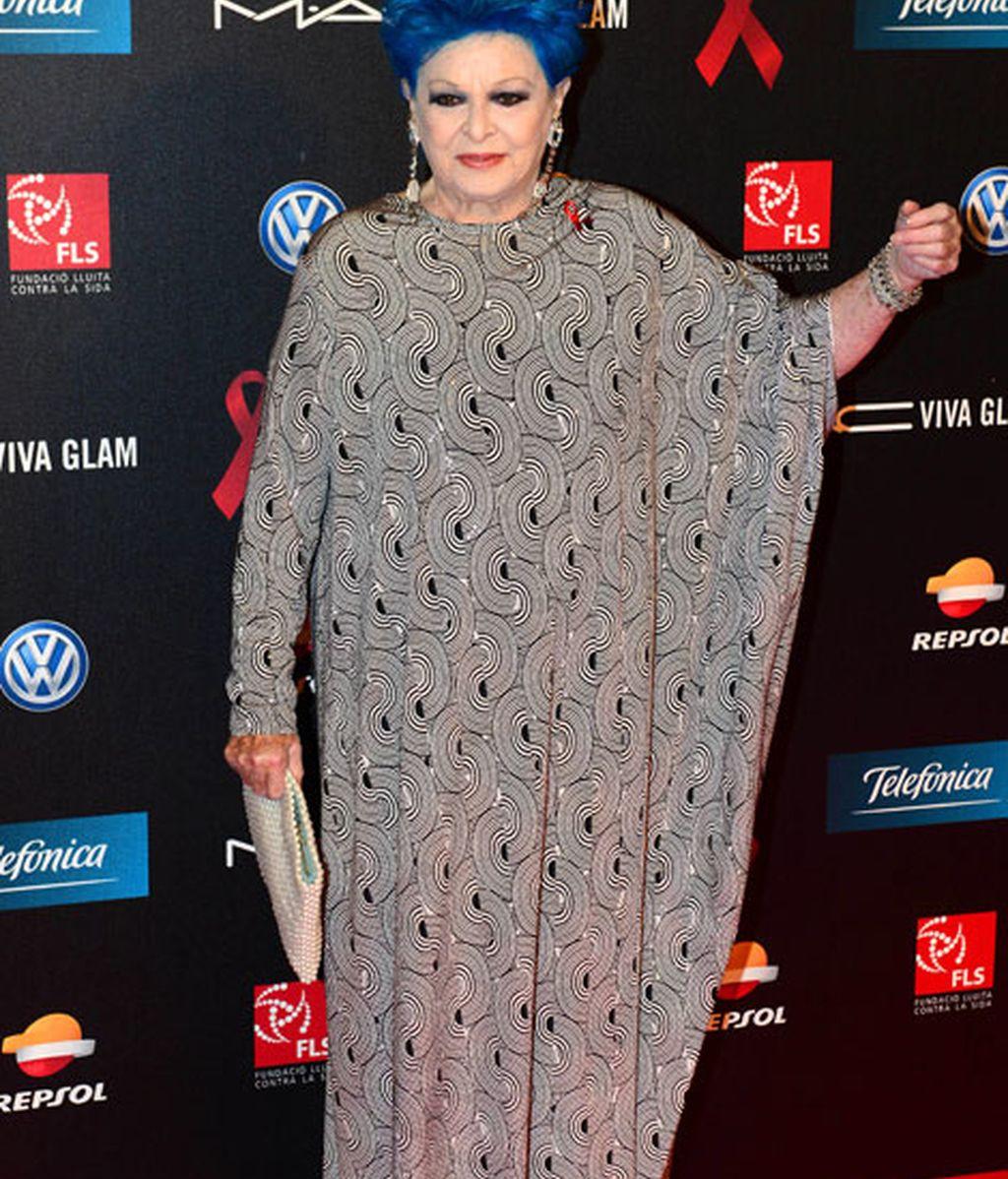 Lucía Bosé acudió con un vestido largo
