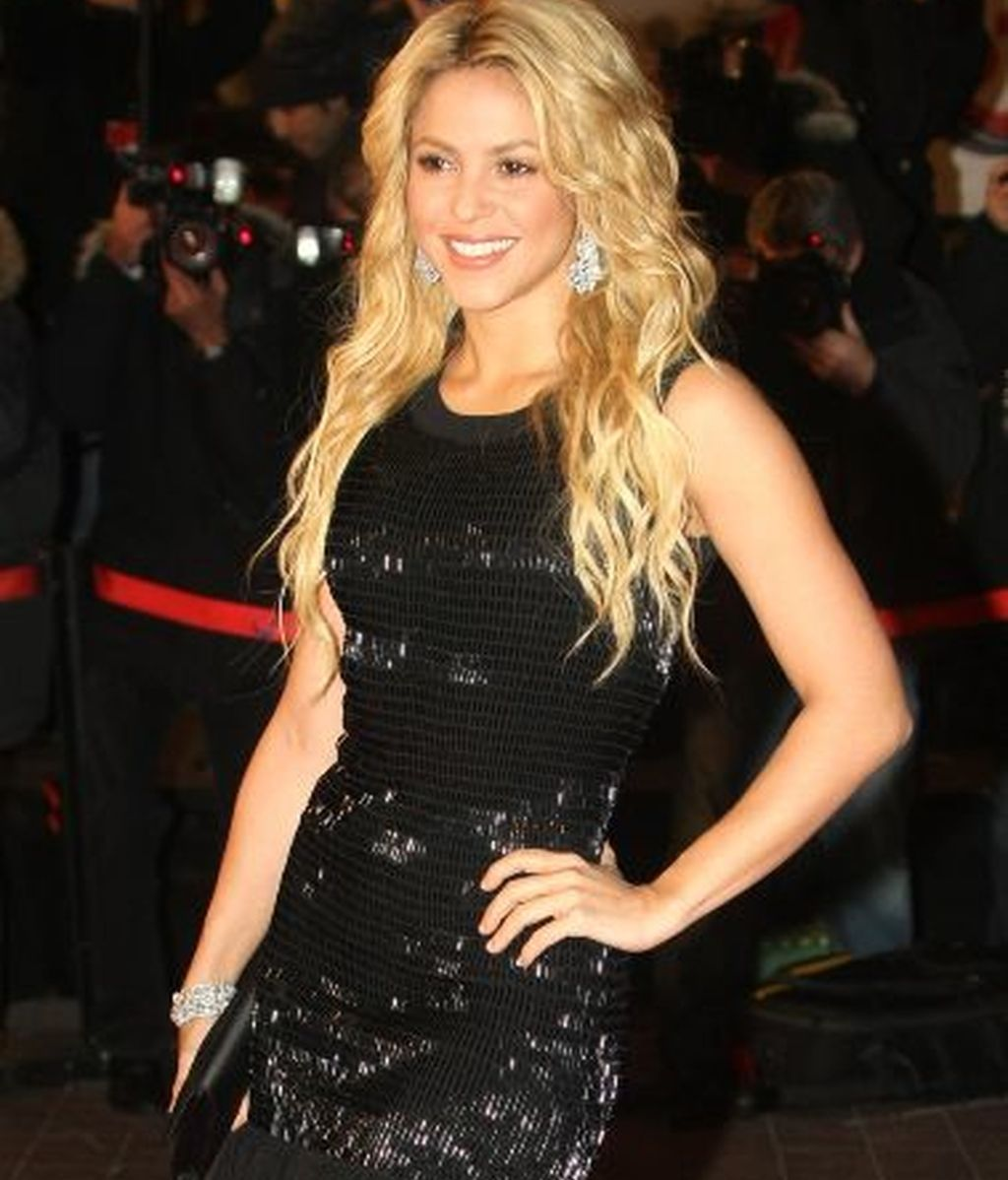 Shakira, 1,54