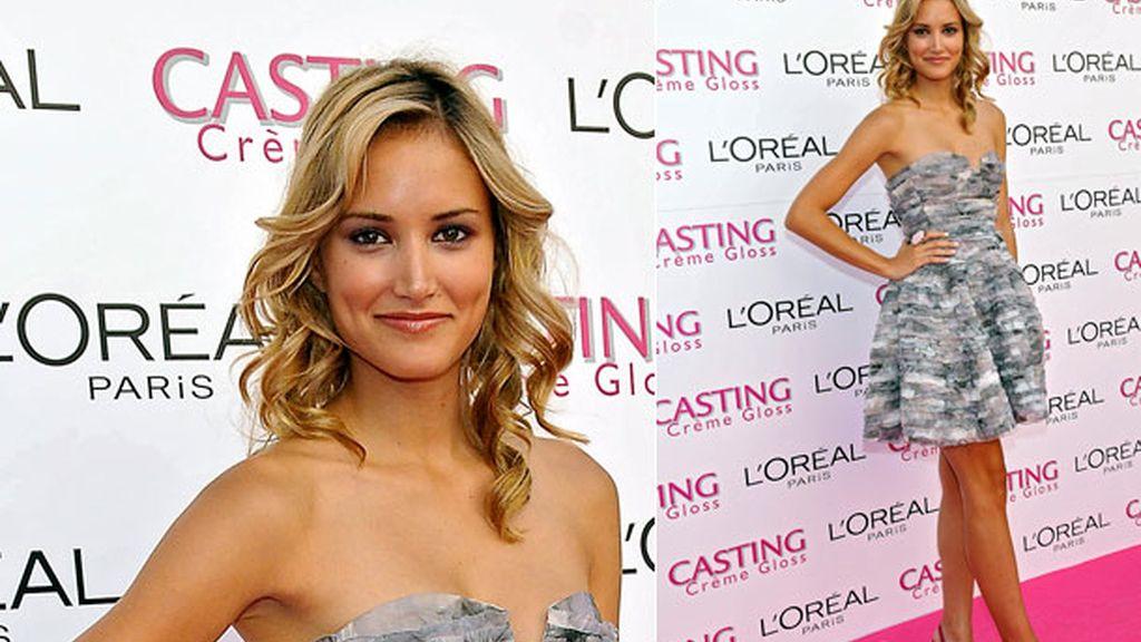 Presentó a las chicas L'Oreal Casting Crème Gloss en 2010