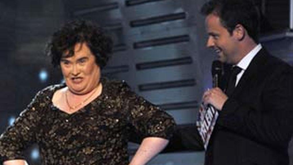 Imagen de Susan Boyle durante uno de los programas del concurso de talentos británico. Foto: The Mirror.