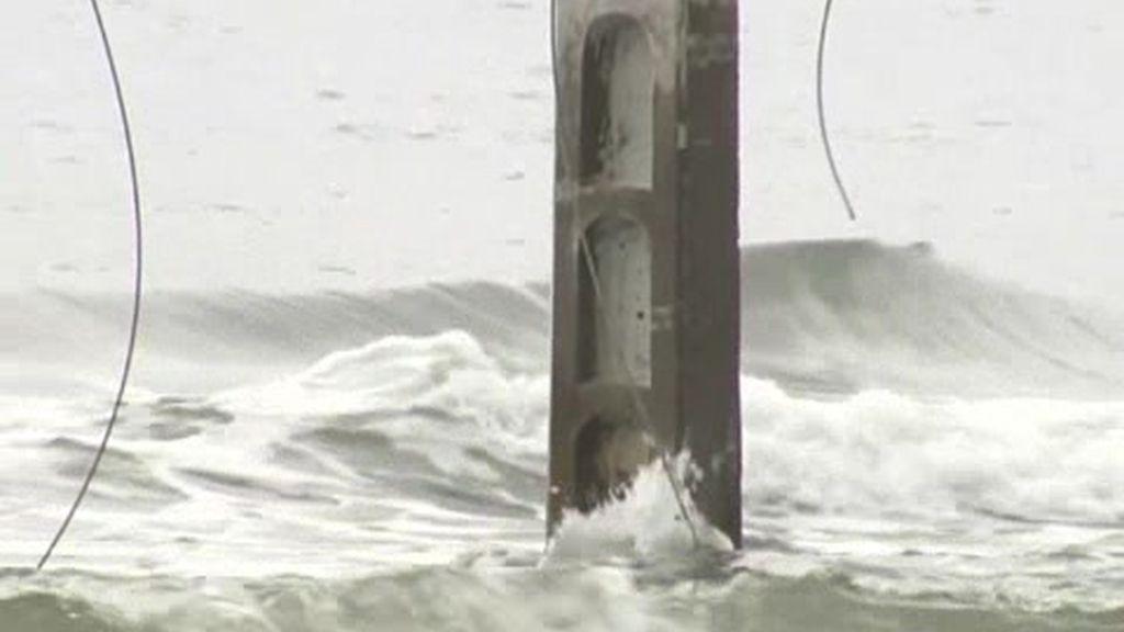 Torres electricas en el mar