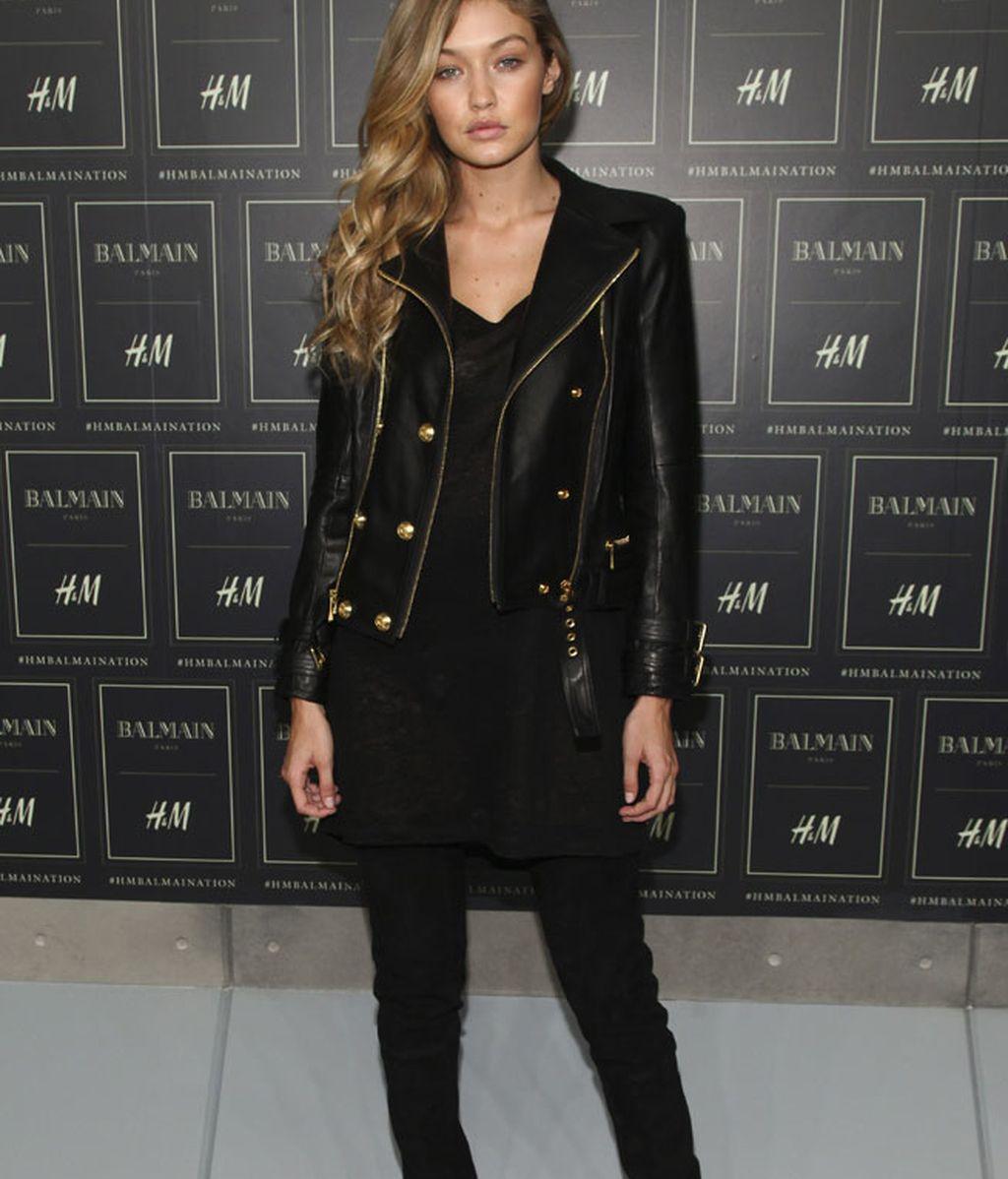 Básicos de Gigi Hadid: cuero,  pitillos y camiseta