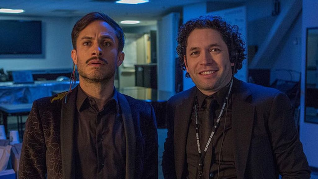 Gael García Bernal le interpreta en 'Mozart in the jungle', serie inspirada en él