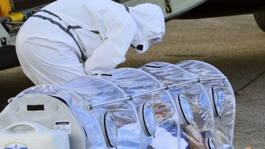 Manuel García Viejo, infectado con ébola llega a Madrid