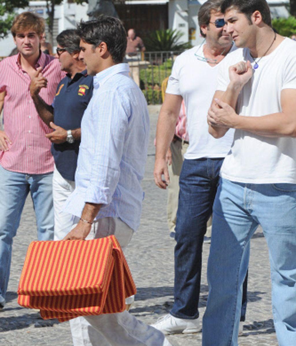 Francisco Rivera acompañado por los Julián Contreras 'Junior' y Julián Contreras 'Senior'