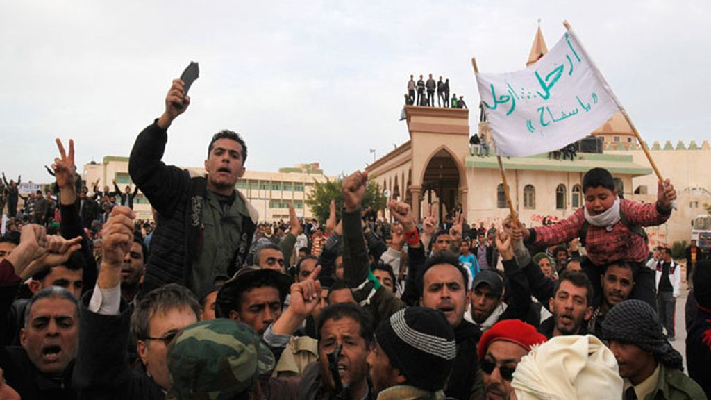 Gadafi lucha a la desesperada