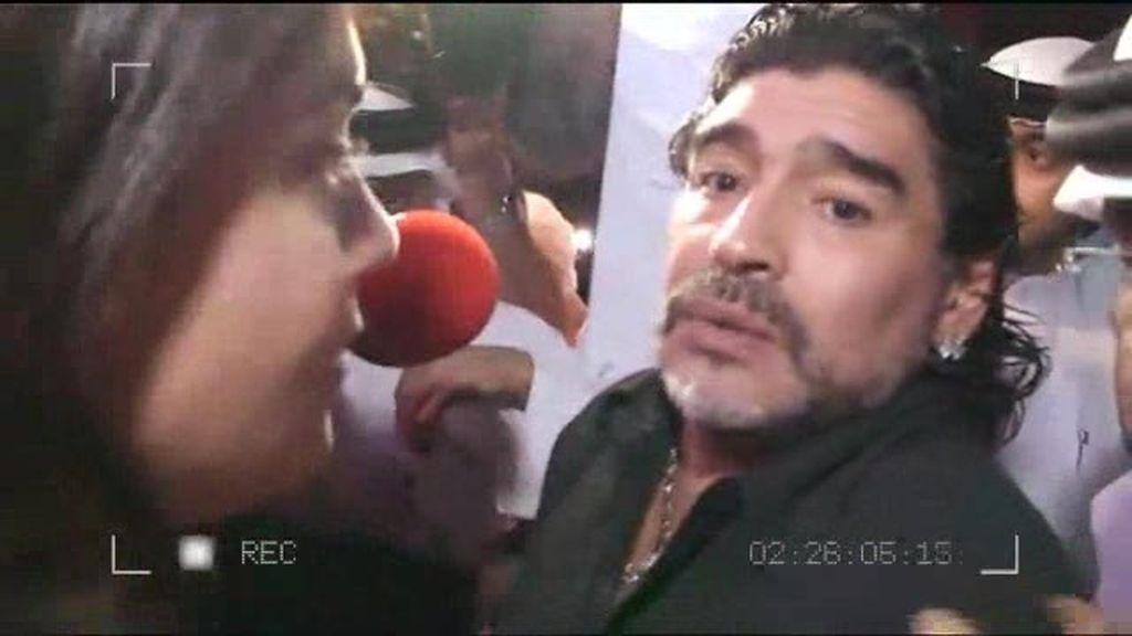 Maradona llega como un héroe a Dubai
