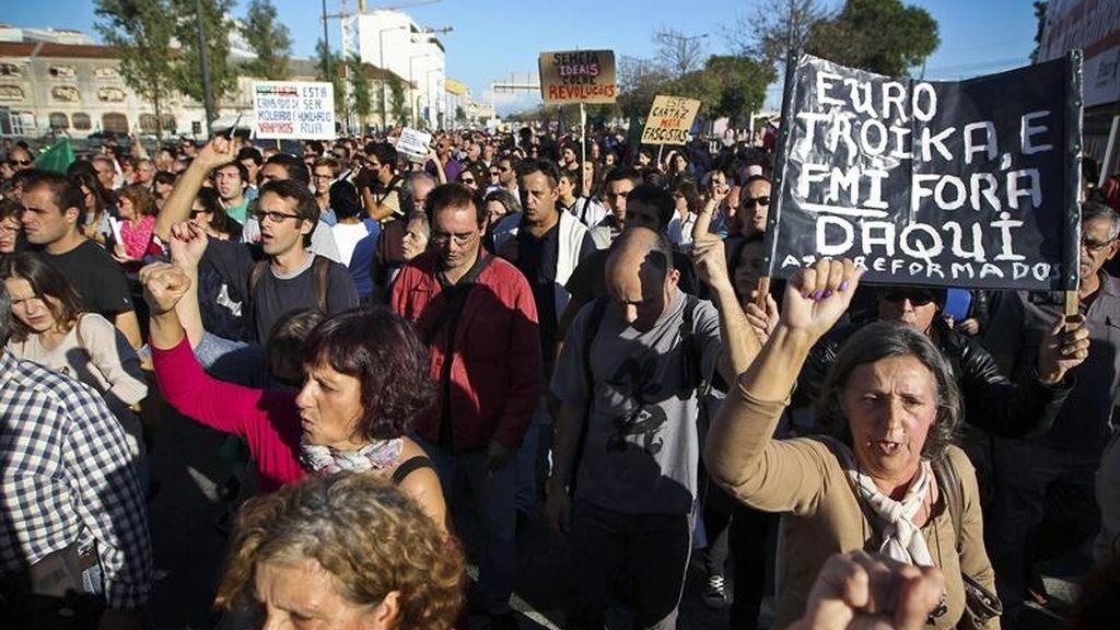 La protesta antitroika se extiende a catorce ciudades en Portugal