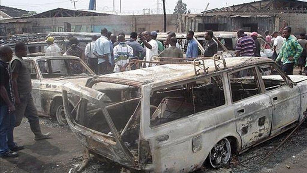 Una fuerte explosión en un patio de locales de entretenimiento junto a un cuartel en la capital Abuya ha causado al menos once muertos y numerosos heridos. EFE