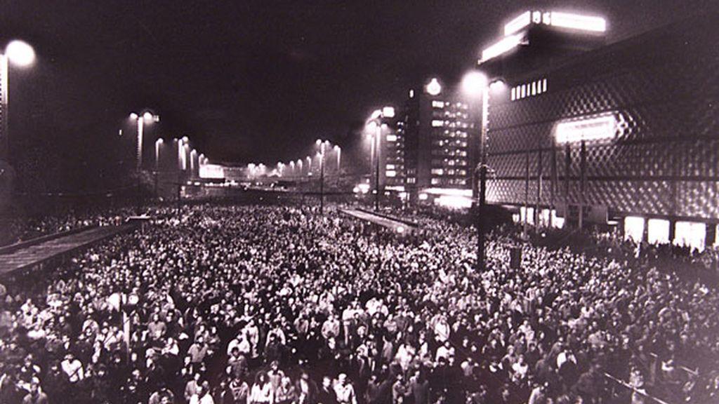 Marcha contra el tiránico régimen de Alemania Oriental comunista