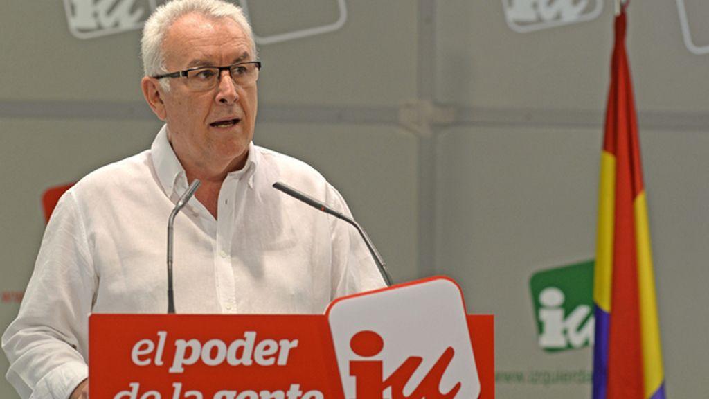 IU exige que las Cortes convoquen en tres meses un referéndum sobre la monarquía