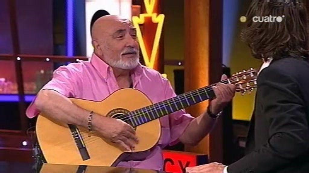 Peret y Santi Millán se marcan una rumba en directo