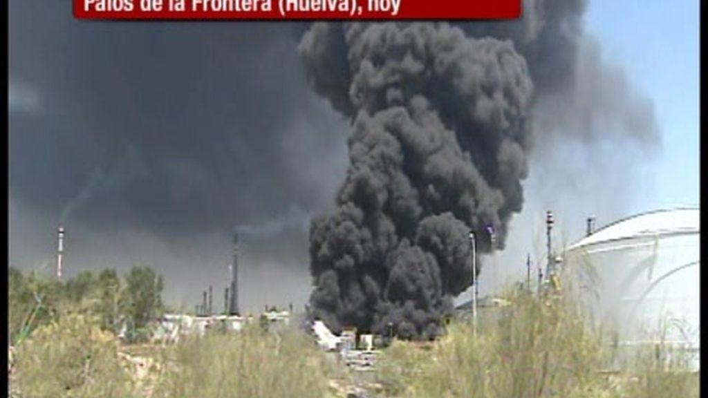 El incendio en una refinería de Huelva cuesta la vida a dos trabajadores