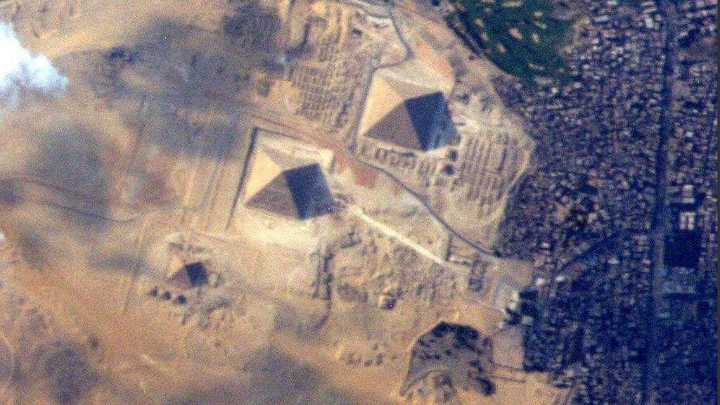 Las pirámides de Egipto desde la Estación Espacial