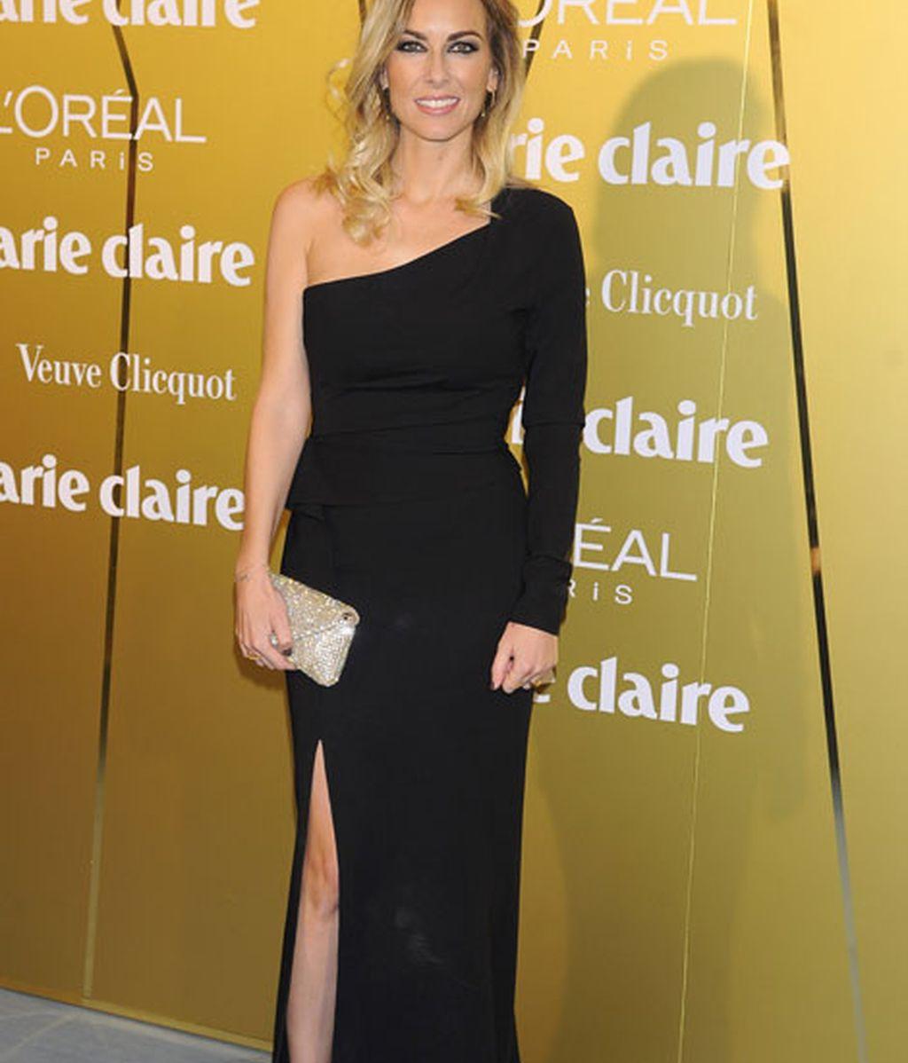 Kira Miró, con un vestido negro de Escada