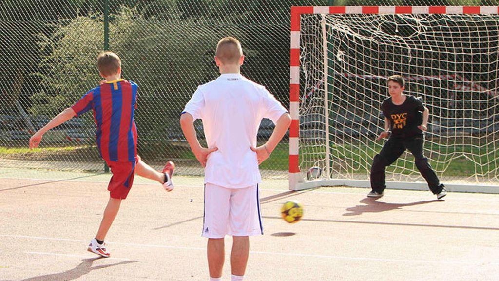 Justin Bieber se viste de culé para jugar un partido en Madrid