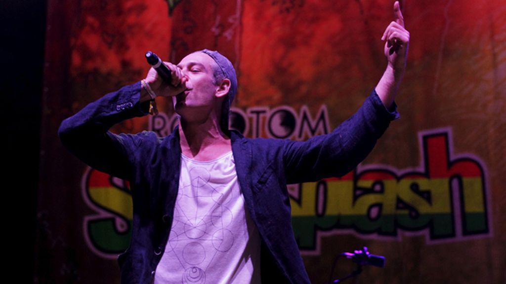 Matisyahu ofrece su concierto en el Rototom entre los abucheos del público y banderas palestinas