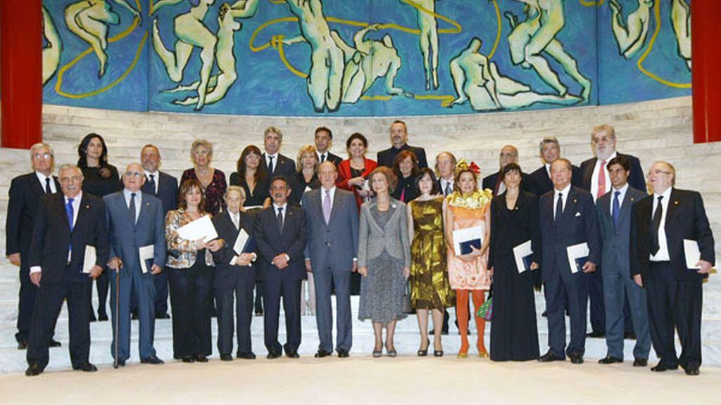 La foto de familia de todos los premiados