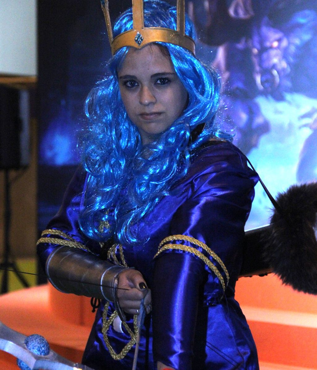 'Ashe Reina' preparando su arco en Gamergy