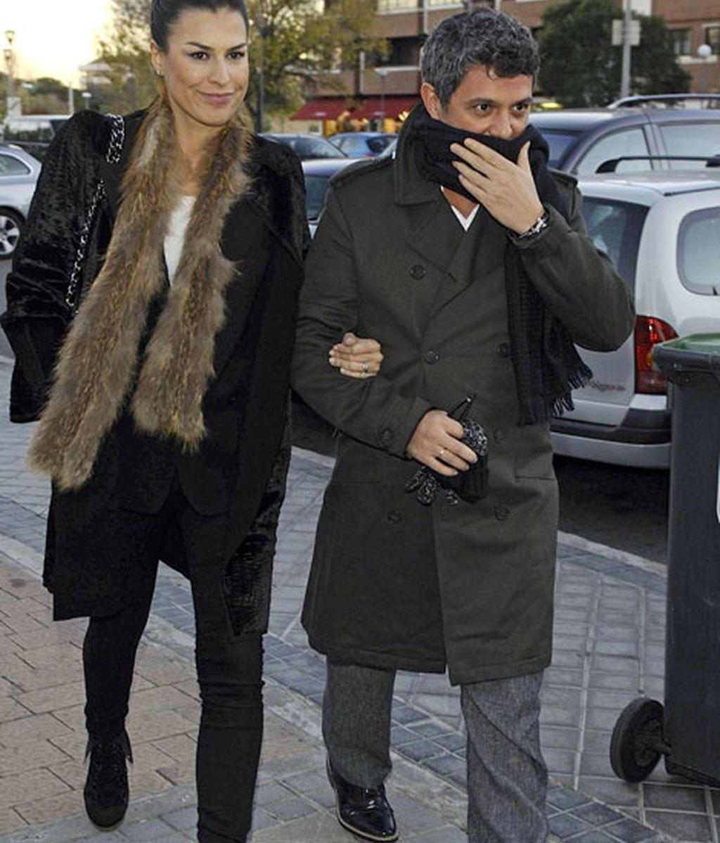 Alejandro Sanz acudió acompañado por su mujer, Raquel Perera