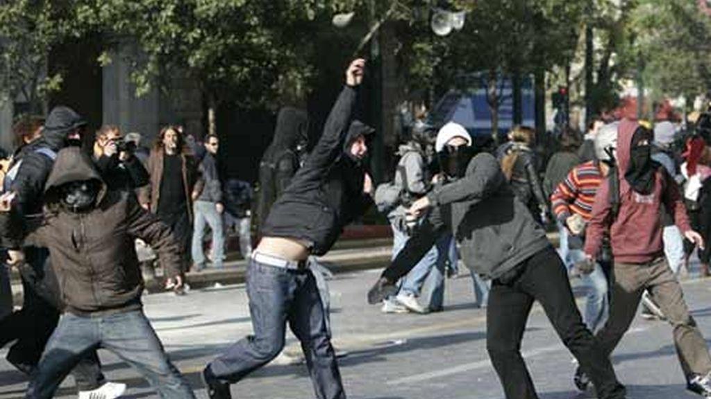 Piedras contra la policía
