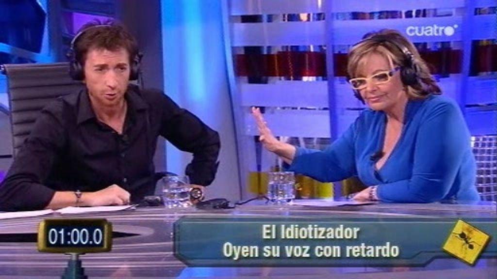 Mª Teresa Campos gasta una broma telefónica... ¡con el idiotizador!