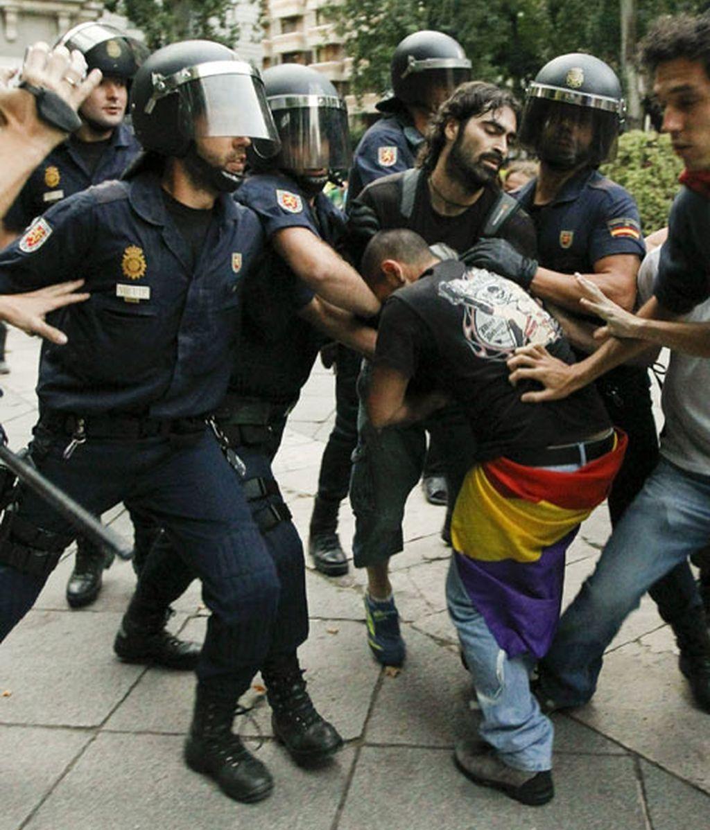 Dos detenidos durante la concentración de centenares de 'indignados' en Madrid