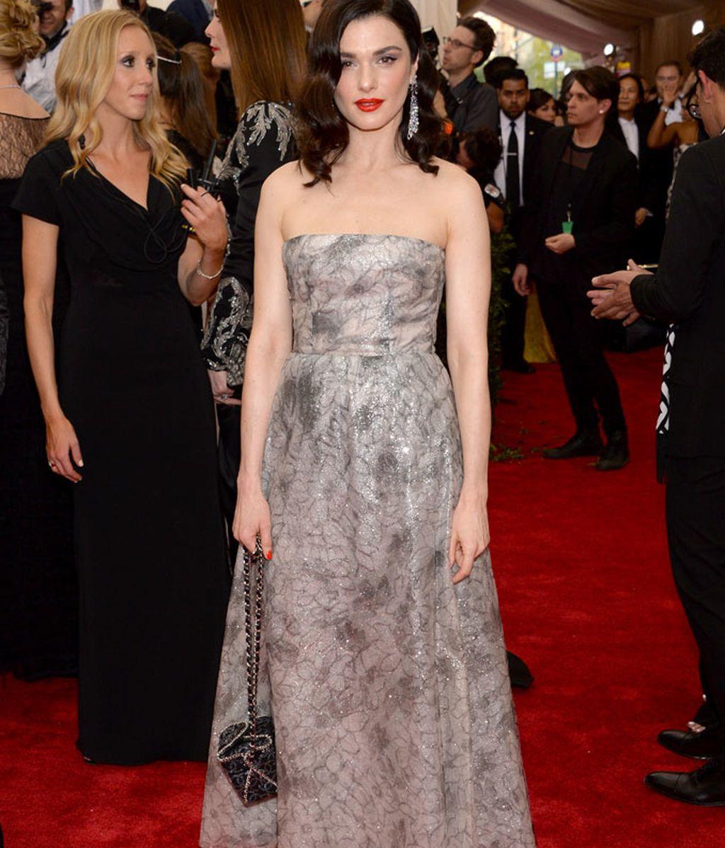 Rachel Weisz vestida de Chanel Alta Costura