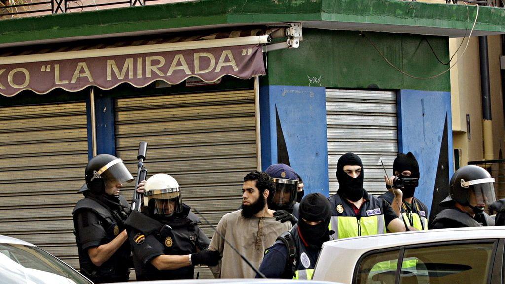 Momento de la detención en Melilla del presunto cabecilla de la célula yihadista