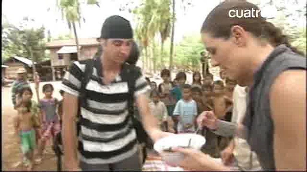 Raquel come tarántula en Pekín Express