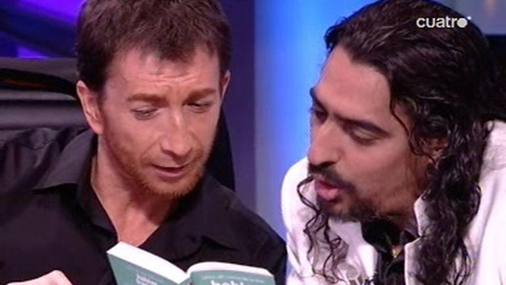 El Cigala aprende Francés y canta