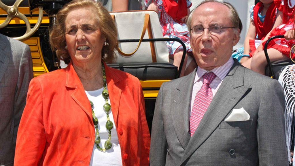 Con su mujer, María Teresa Rivero