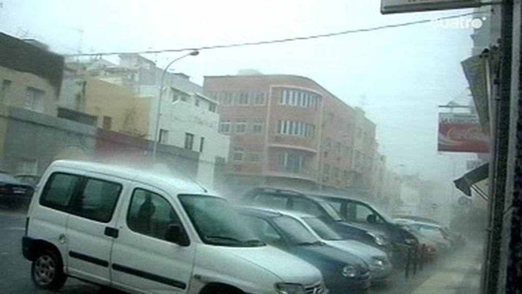 La tormenta tropical causa estragos en Canarias