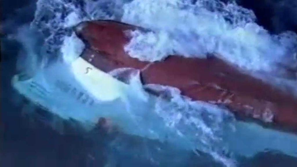 Momento del naufragio del Pepita Aurora en 2007