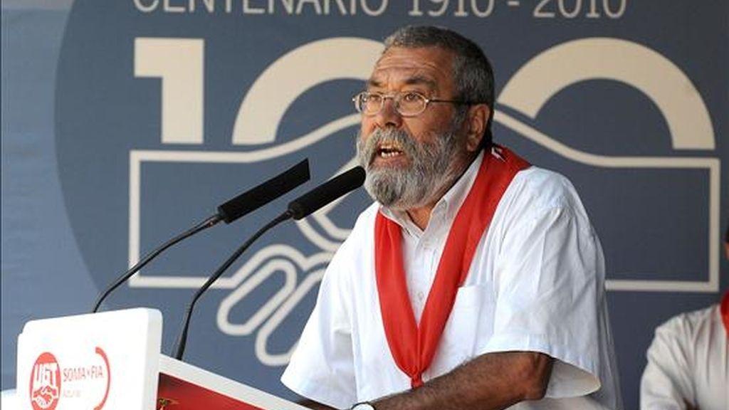 El secretario general de UGT, Cándido Méndez, durante su intervención la XXXI Fiesta Minera astur-leonesa de la localidad leonesa de Rodiezmo. EFE