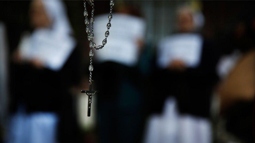 Dos hermanas detenidas por robar a una monja su rosario a punta de navaja