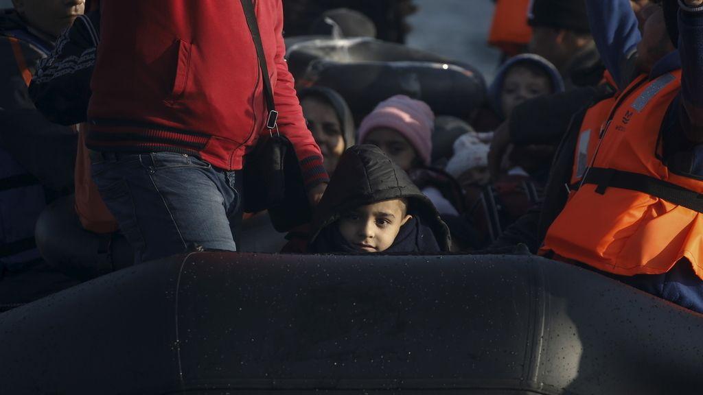 Refugiados sirios rescatados en aguas de Lesbos