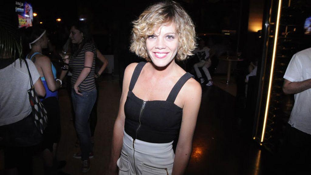 La actriz Bárbara Muñoz tampoco dudó en continuar la fiesta