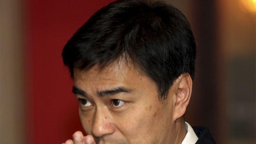 El primer ministro, Abhisit Vejjajiva