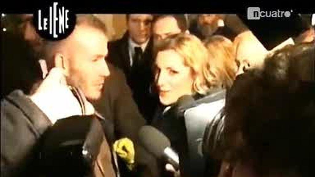 Una periodista italiana acaricia los genitales de David Beckham