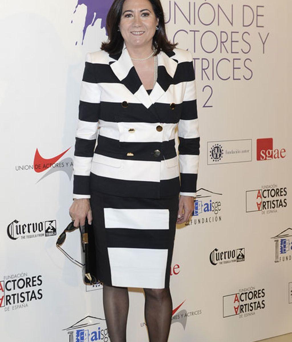 Luisa Martín, elegante con rayas blancas y negras
