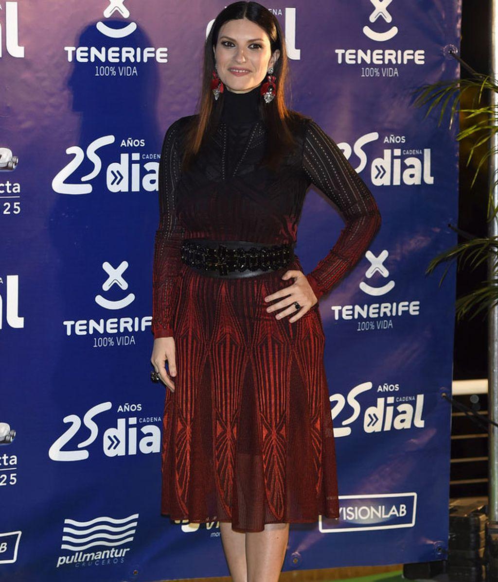 Laura Pausini cantó a duo con Melendi en la gala posterior