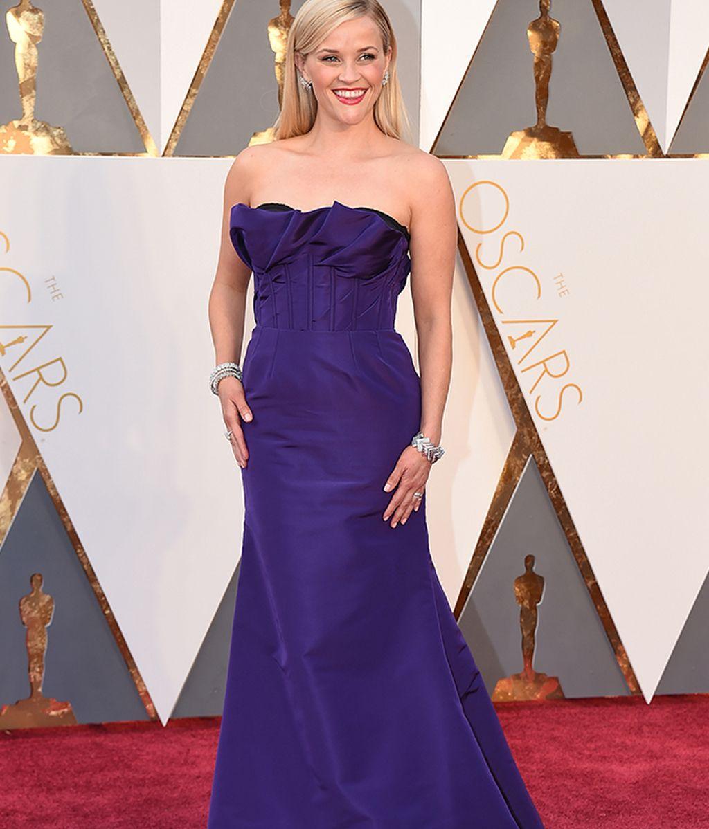 Reese Witherspoon vestida de Oscar de la Renta