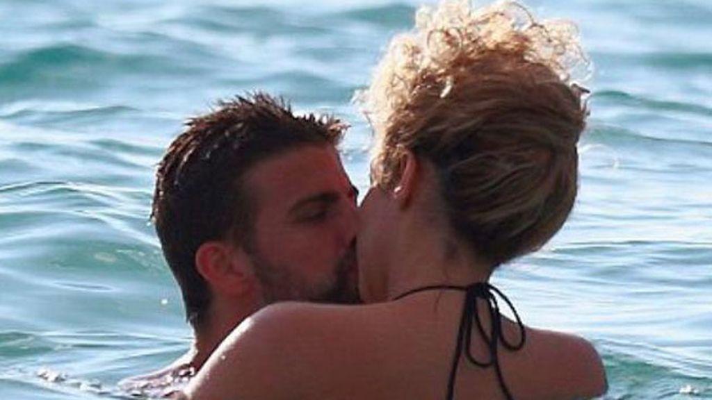 Shakira presume de vientre plano en Hawai