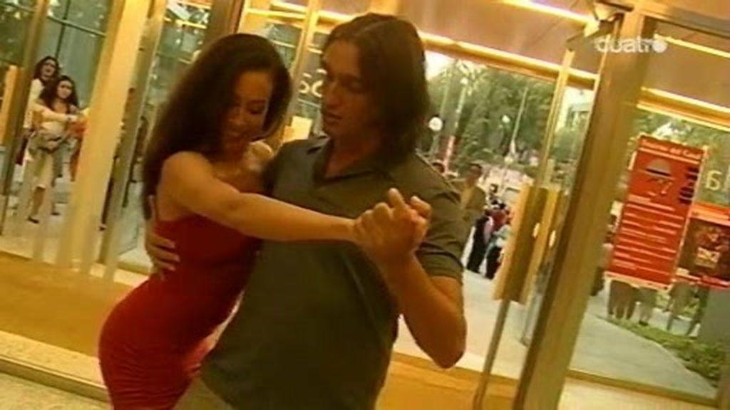 Rafa y la mujer de Rojo en versión argentina