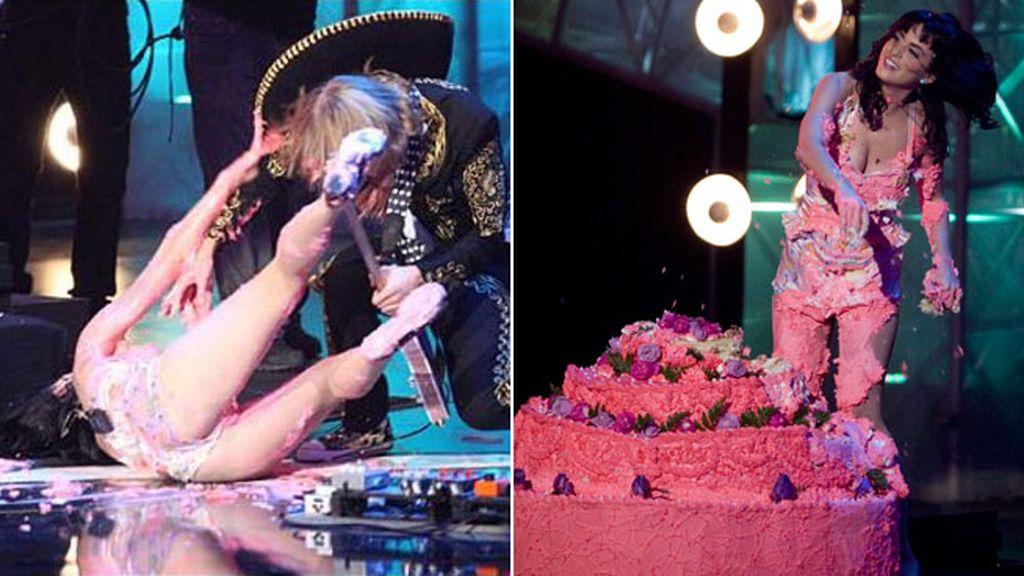 La extradulce caída de Katy Perry en 2008: su estreno con una tarta de fresa