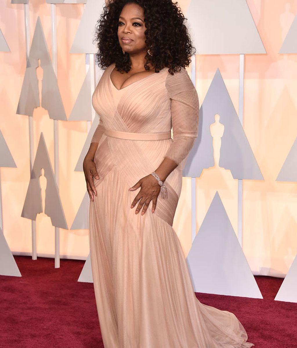 Oprah Winfrey en la alfombra roja de los Oscar