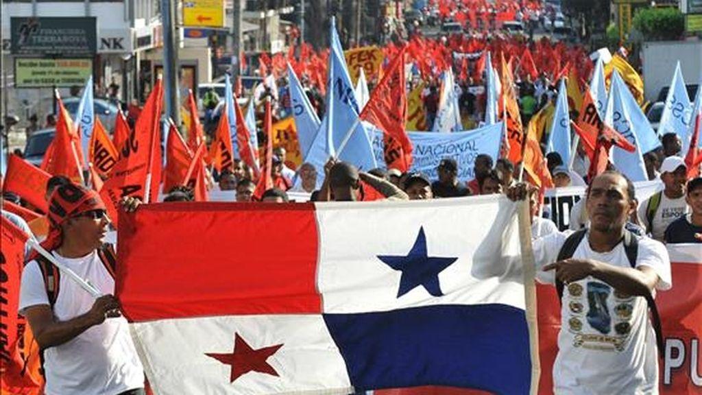 Trabajadores de la empresa bananera Bocas Fruit Company y efectivos de la Policía protagonizaron enfrentamientos el jueves. EFE/Archivo