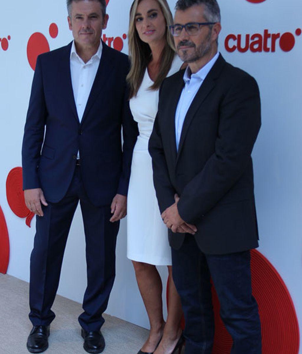 Miguel Ángel Oliver, Marta Reyer y Roberto Arce, presentadores de informativos Cuatro